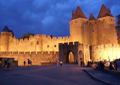 Het kasteel van Carcassonne in de avond
