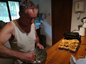 Patrick van Domaine Las Burgues maakt wafels